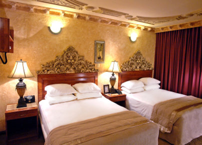 Howard Johnson Inn Guatemala City - Standard 2 Queen Beds Room