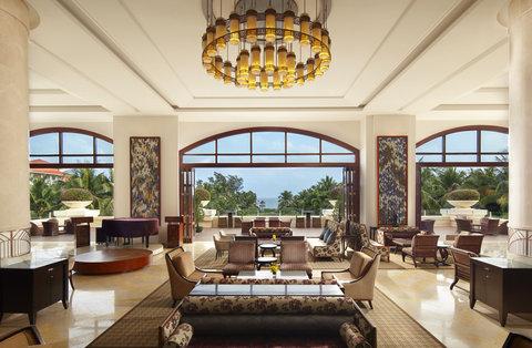 Sheraton Haikou Resort - Lobby at Dusk
