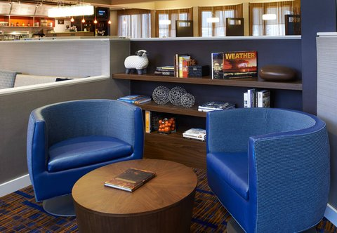 Courtyard By Marriott Chicago Arlington Heights / South Hotel - Lobby Library