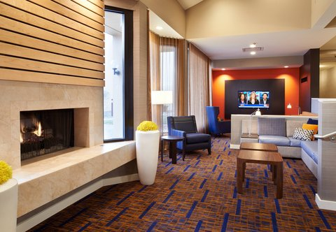 Courtyard By Marriott Chicago Arlington Heights / South Hotel - Lobby Lounge