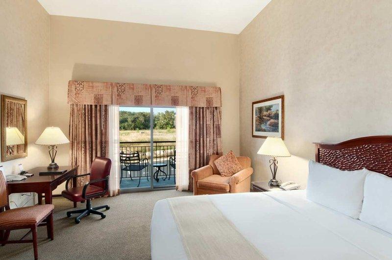 Ilton San Antonio Hill Country Hotel Spa