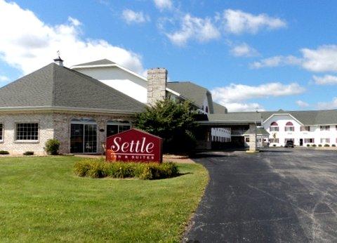 Airport Settle Inn - Exterior