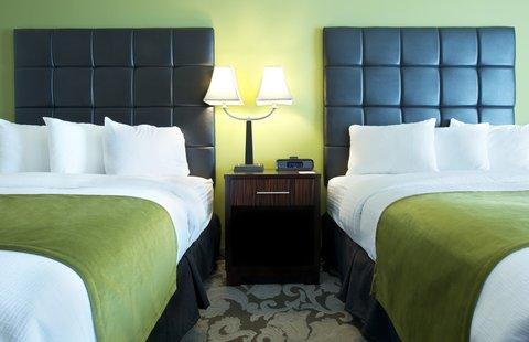 Prairie Meadows Racetrack and Casino - DQueen Standard Beds