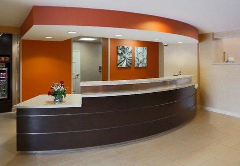 Residence Inn by Marriott Carlsbad - Front Desk