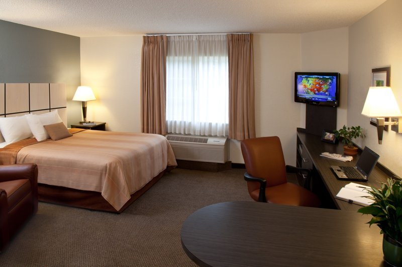 Candlewood Suites Miami Airport West Вид в номере