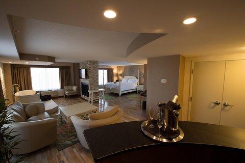 Hampton Inn Sydney Nova Scotia - Whirlpool Suite