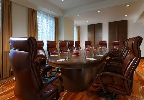 Tsaghkadzor Marriott Hotel - Sis Meeting Room