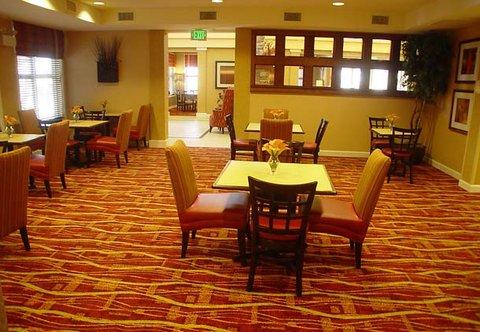 Residence Inn Bryan College Station - Gatehouse Dining Area