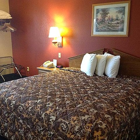 Victorian Inn Beatrice - King Bed