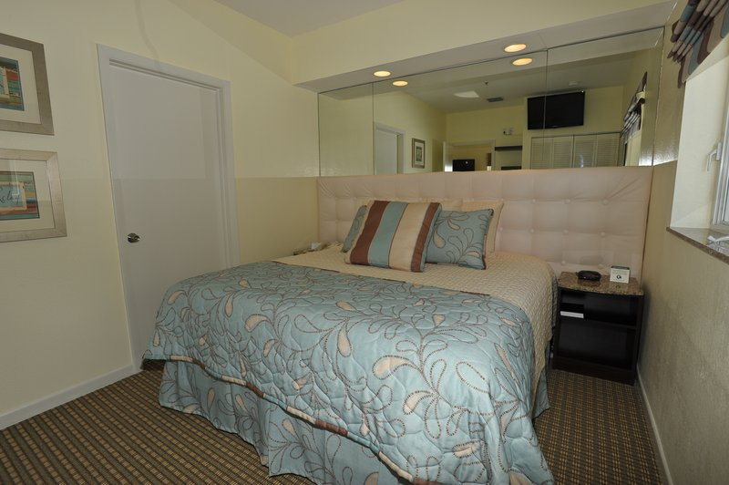 Crystal Beach Suites Hotel & Health Club Miami Beach Hotels - Miami Beach, FL
