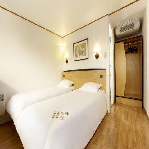 Hotel Restaurant Campanile Lille Est Hem - Twin Room