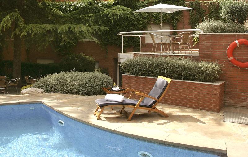 Hotel Balmes Kilátás a medencére