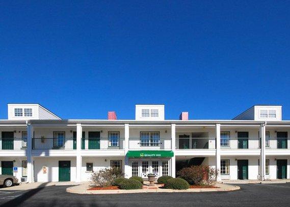 Quality Inn - Lancaster, SC