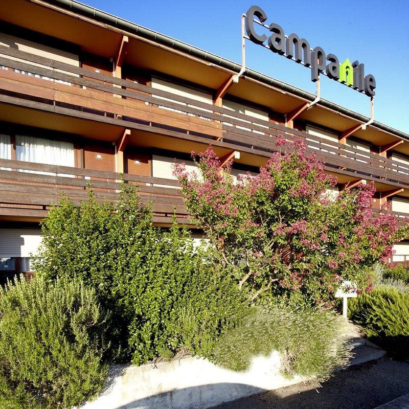 Campanile - Salon-de-Provence Außenansicht