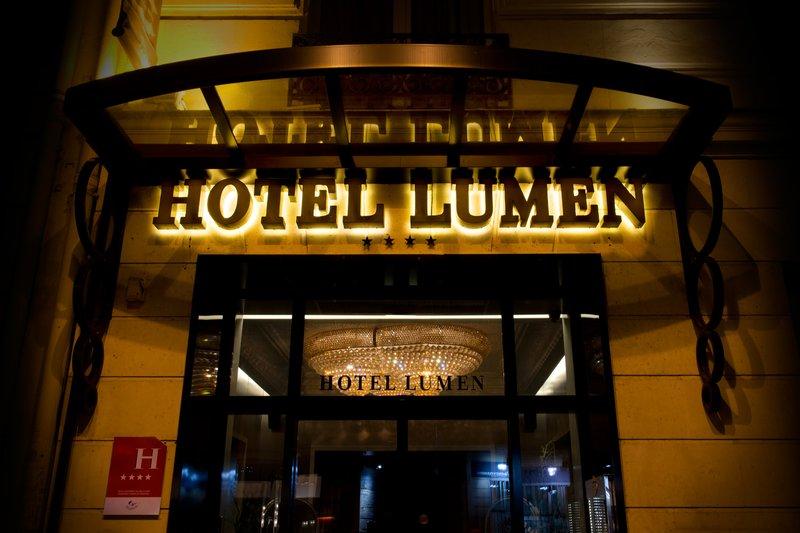 Hotel Lumen Paris Louvre Buitenaanzicht