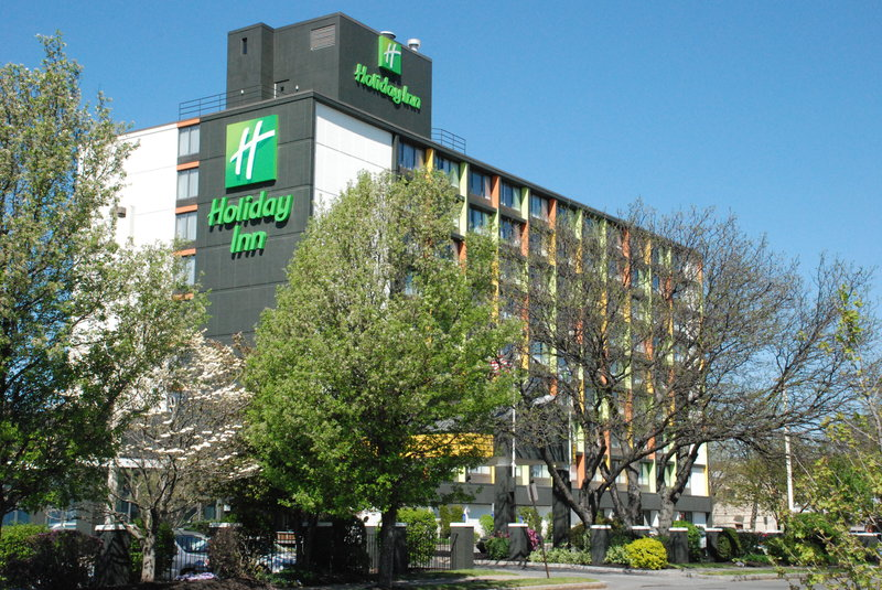 Holiday Inn Somerville Exterior view