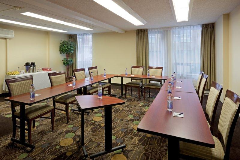 Holiday Inn Express Hotel & Suites Montreal Centre-Ville Sala de conferências