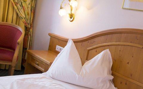Falkensteinerhof Hotel Vals - Room