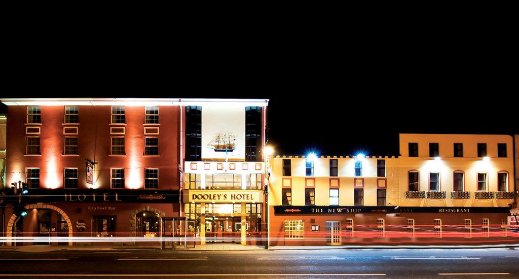 Dooley's Hotel