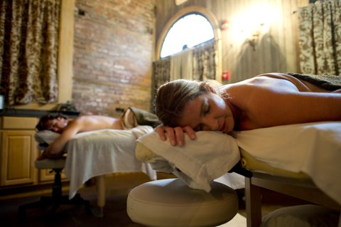 Wentworth Mansion - Full service spa in our restored carriage house