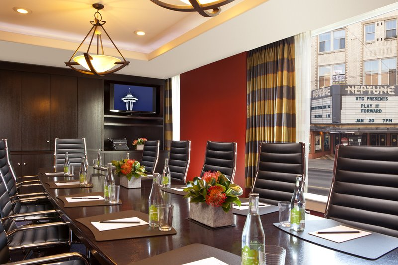 Hotel Deca Seattle Reviews