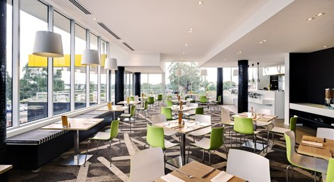 Chifley Doveton Hotel Dandenong - Chifley Doveton Cafe
