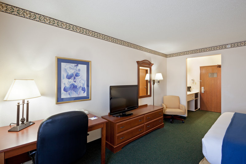 Holiday Inn Express BOSTON-MILFORD - South Lancaster, MA