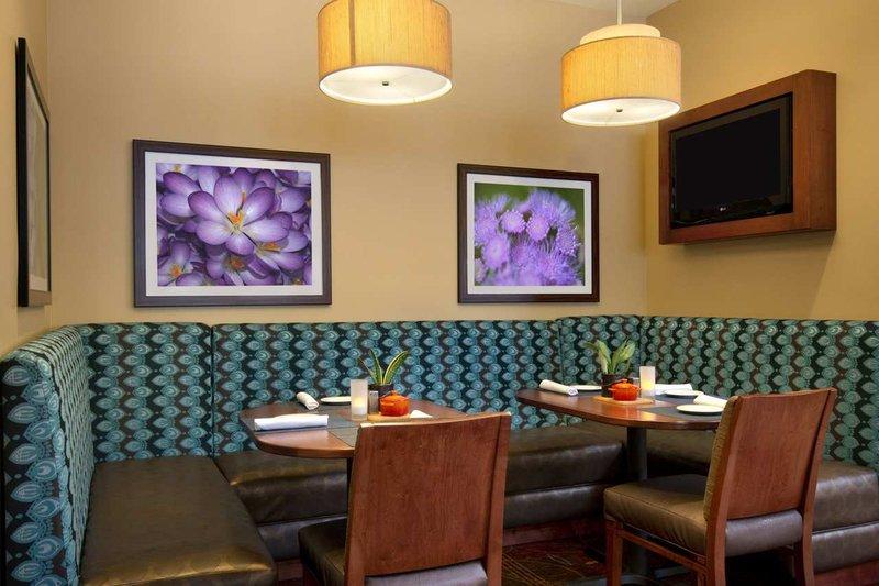 Restaurants Near Hilton Garden Inn Chicago