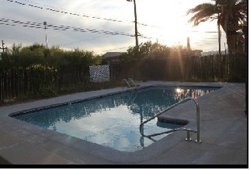 Frontier Motel - Come Relax By The Pool