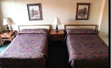 Frontier Motel - Two Double Beds