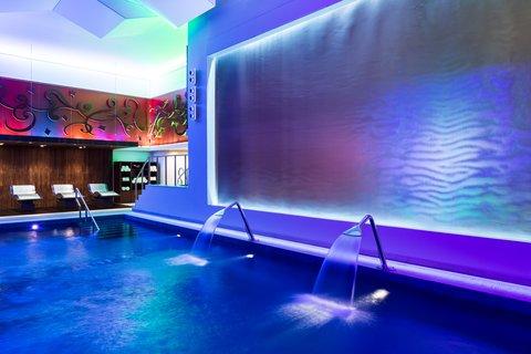 فندق الفيصلية - Spa by ESPA - Indoor Pool