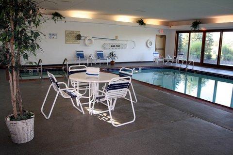 Hampton Inn Batesville IN - Pool and Hot Tub