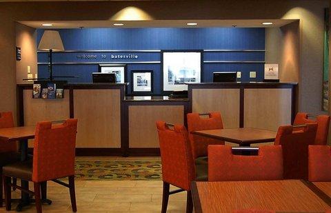 Hampton Inn Batesville IN - Front Desk