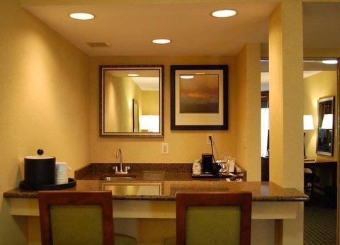 Hampton Inn Batesville IN - Suite Kitchen