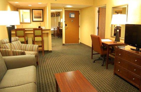 Hampton Inn Batesville IN - Suite Living Room