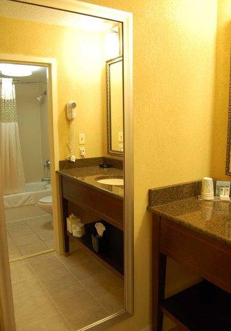 Hampton Inn Batesville IN - Bathroom in Suite