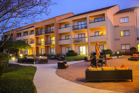 Country Inn & Suites By Carlson, Dallas-Love Field (Medical Center), TX - Exterior