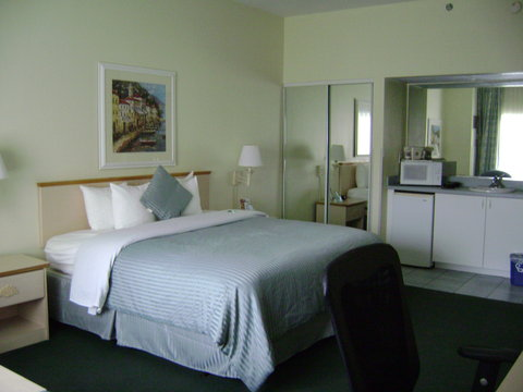 BEST WESTERN Naples Plaza Hotel - Standard King Guest Room