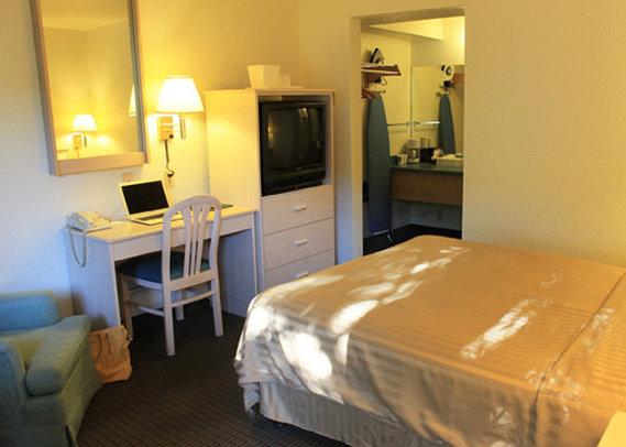 Quality Inn Monterey Beach Dunes - Marina, CA
