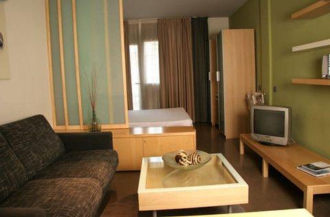 Aramunt Apartments - room3