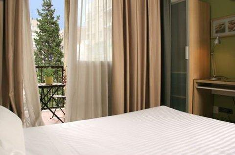 Aramunt Apartments - room