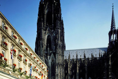 Dom Hotel - Dom View