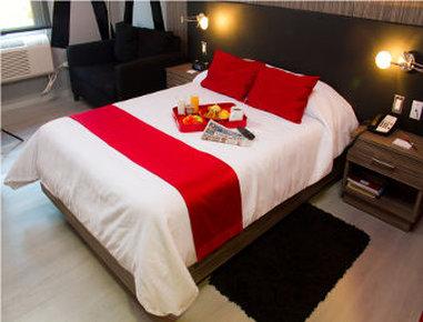 Ramada Encore Chihuahua - Queen Bed Executive Room