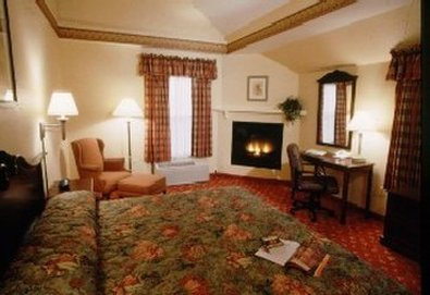 Country Inn & Suites - Holyoke, MA