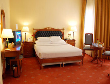 Ramada Hafr Al Batin - 1 King Bed Suite
