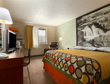 Super 8 Sioux Falls SD - Standard King room