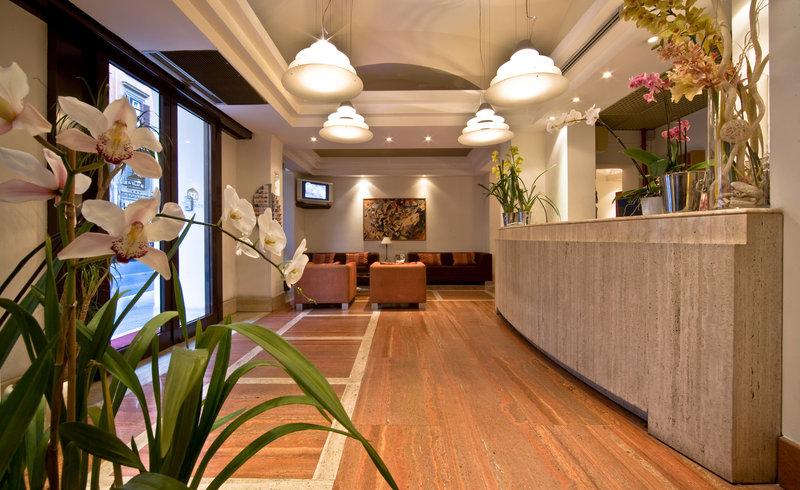 Hotel EXE Domus Aurea Lobby