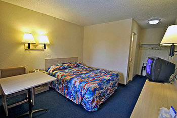 Motel 6 - Room