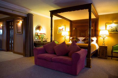 Harvey's Point Hotel - Lakeshore Suite