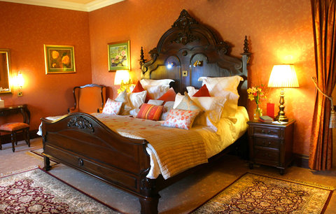 Harvey's Point Hotel - Bedroom